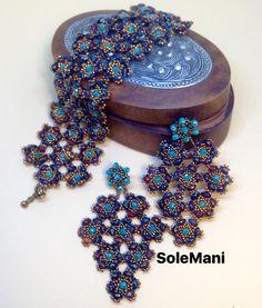 """coordinato bracciale e orecchini """"In viaggio verso Samarcanda""""pezzo unico in tessitura di perline"""