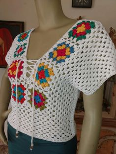 Granny Square Crochet Pattern, Crochet Granny, Crochet Top, Crochet Patterns, Crochet Short Sleeve Tops, Crochet Beach Dress, Crochet Fashion, Crochet Clothes, Baby Knitting