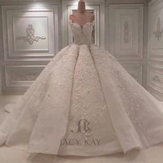 Creativity has no limit ..Every Dress has a story in House of Jacykay ..stay tuned for more ...#jacykay #jacykayofficial #jacykaybrides #dubai #mydubai #wedding #weddingdress #beautiful #ballgown