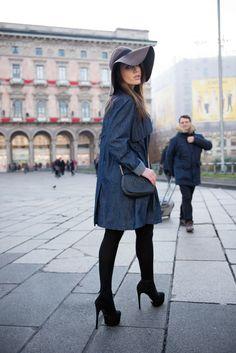 #dress #denin #chapeu #trends #tendencia #fashion #clothes #kambess #shoes #milano #milao #italy #italia #model #modeling #shoot #shooting