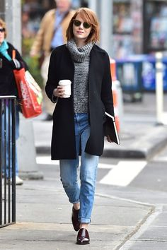... #NuevaYork a tomar #café mientras camino por Time Square.