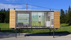 Austria-based Gerhard Feldbacher recently built a tiny house, named Simple Home, that's designed to strike a happy balance between portability and size.
