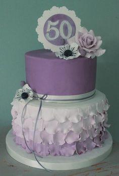 Resultado de imagen de Pretty Birthday Cakes For Women 50th Birthday Cake For Women, Birthday Cake For Women Elegant, Adult Birthday Cakes, Themed Birthday Cakes, 70 Birthday, Birthday Ideas, Birthday Gifts, Pretty Cakes, Beautiful Cakes