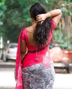 Indian Girl Bikini, Indian Girls, Beautiful Girl Indian, Gorgeous Women, Saree Backless, Saree Photoshoot, Saree Trends, Photography Poses Women, Indian Beauty Saree