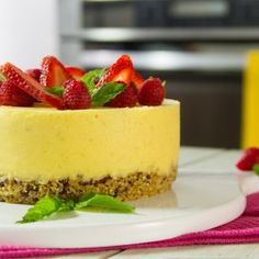 So you love your chocolate fountain and now you are wondering what other yummy treats could be created in it. Sweet Desserts, Just Desserts, Sweet Recipes, Delicious Desserts, Dessert Recipes, Dessert Ideas, Granola, Mousse, Cheesecake Cupcakes