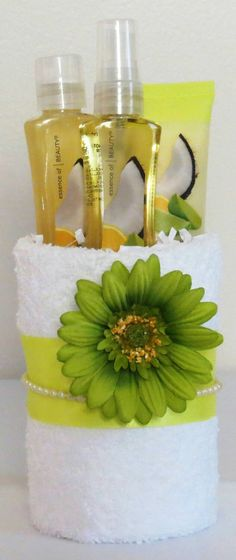 Mini Towel Cake Includes 2 washcloths travel por JMonetCreations
