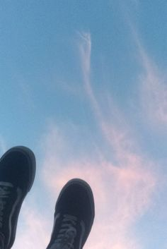 @annabelleegreen // clouds, vans, aesthetic