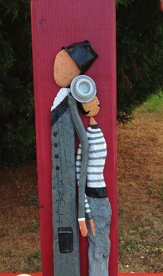 """""""Les amoureux du bois flotté"""" ... Driftwood and rock art!!"""