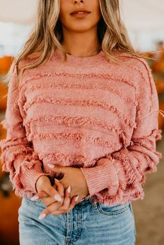 The fitzgerald fringe sweater in dusty pink - Clothes - Fall Outfit Pink Outfits, Fall Outfits, Cute Outfits, Fringe Outfits, Casual Outfits, Winter Sweaters, Sweater Weather, Sweaters For Women, Herren Winter