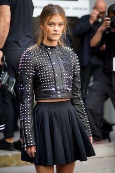 Nina Agdal off duty during New York Fashion Week. Street Style 2016, New York Fashion Week Street Style, Fashion Week 2016, Model Street Style, Nyc Fashion, Street Style Looks, Trendy Fashion, Girl Fashion, Fashion Show