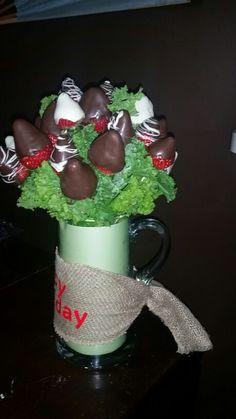 DIY chocolate covered strawberries gift arrangement