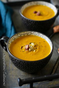 Creamy pumpkin soup Source by cricrieD Creamy Pumpkin Soup, Soup Recipes, Cooking Recipes, Vegan Soup, Homemade Soup, I Love Food, Coco, Easy Meals, Yummy Food
