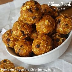 {I just made a HUGE batch of these to keep in the freezer for the week!} Swap caffeine and/or candy for THESE in the afternoons, and see how you feel. OR, Try eating 1 or a half hour before your wo (Paleo Pumpkin Bites) Healthy Sweets, Healthy Snacks, Healthy Eating, Healthy Breakfasts, Healthy Drinks, Pumpkin Energy Balls, Snack Recipes, Cooking Recipes, Veg Recipes
