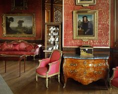 BAROQUE INTERIORS: PALACES 18TH  Interior with self-portrait by Andrea del Sarto (1486-1531).For painting see 40-08-01/56. Alnwick Castle,Northumberland,GB.  Alnwick Castle, Alnwick, Great Britain
