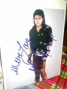 "Michael Jackson HAND SIGNED 8"" X 10"" Photo - Autographed & Authentic 1 Of A Kind - http://www.michael-jackson-memorabilia.com/?p=5821"