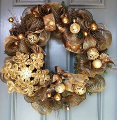 Gold Mesh Wreath...gorgeous for Christmas time.