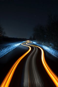 zoomed photography long exposure,lens flare,lens ball photography - Zoom Photography Tips Exposure Photography, Night Photography, Creative Photography, Photography Tips, Slow Shutter Speed Photography, Light Trail Photography, Photography Aesthetic, Scenic Photography, Aerial Photography