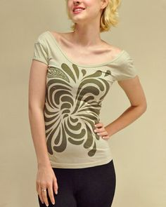itsus ECO Organic Cotton Yoga Tee - just one left in XS come and get it!