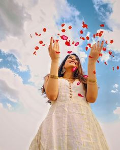 Indian Wedding Photography Poses, Creative Portrait Photography, Portrait Photography Poses, Couple Photography Poses, Grunge Photography, Urban Photography, White Photography, Newborn Photography, Best Photo Poses