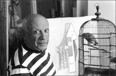 Pablo Picasso at his home, the Villa La Californie in Cannes, Rene Burri Henri Rousseau, Henri Matisse, Kunst Picasso, Art Picasso, Picasso Portraits, Francisco Goya, Paul Cezanne, Magnum Photos, Famous Artists