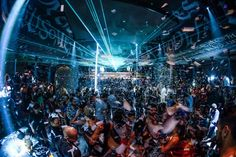All hands on deck, People of the Party Nation! How To Club Hop Like A Pro in Las Vegas
