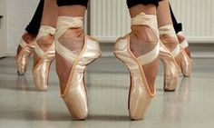 By Liesl Ferreira Just an image of pointe shoes evokes the elegance and grace of ballet. A dancer's first pair is a rite of passage, from little girl to serious ballerina. Ballerinas, Ballet Dancers, Ballet Shoes, Toe Shoes, Ballet Feet, Isadora Duncan, Dance Like No One Is Watching, Just Dance, Beginner Ballet