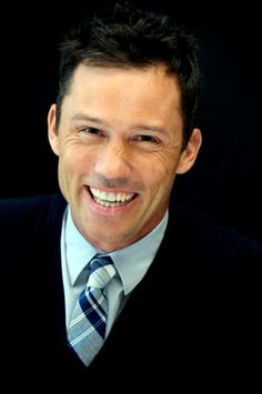 Jeffrey Donovan - 2010 Burn Notice Press Conference