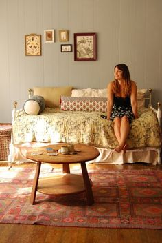 this place reminds me of my old apartments!  Love it!! Katie's Cozy Teeny Tiny Boho Studio