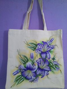 Fabric Colour Painting, Fabric Painting, Diy Tote Bag, Tote Bags Handmade, Painted Bags, Hand Painted Canvas, Hand Embroidery Design Patterns, Fabric Paint Designs, Jute Fabric