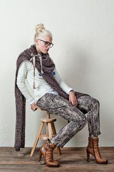 """Wrap Scarf"" van Alpaca en Merino wol maar liefst 3 meter lang en op vele manieren te dragen."