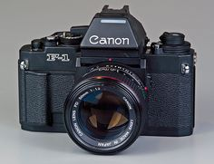 Canon Cameras - Photography Tips You Need To Know About Cameras Nikon, Old Cameras, Vintage Cameras, Photography Camera, Photography Tips, Portrait Photography, Pregnancy Photography, Landscape Photography, Fashion Photography