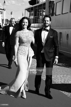 <a gi-track='captionPersonalityLinkClicked' href=/galleries/search?phrase=Prince+Carl+Philip+of+Sweden&family=editorial&specificpeople=160179 ng-click='$event.stopPropagation()'>Prince Carl Philip of Sweden</a> and Sofia Hellqvist arrive to board the SS Stockholm boat before the pre-wedding dinner the night before their royal wedding on June 12, 2015 in Stockholm, Sweden.