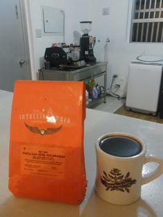 来週末の広島でのコーヒー教室&交流会でも  皆さんにお飲みいただく アメリカ・シカゴからの    ニカラグア San Jose ヒノテガ地区  カツアイ種、ジャバニカ種 1250-1350m    アプリコットやメロンのようななめらかな風味、甘味★  とてもシルキーな口触りのコーヒーです♪