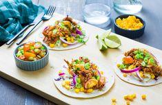 Lag smakfulle minitortillas med pulled pork, salat og cherrytomatsalsa. Enkelt og raskt å tilberede. Pulled Pork, Tacos, Mexican, Ethnic Recipes, Food, Shredded Pork, Essen, Meals, Yemek