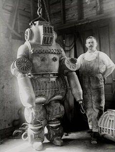 ROBOT PARIS EXHIBITION 1900