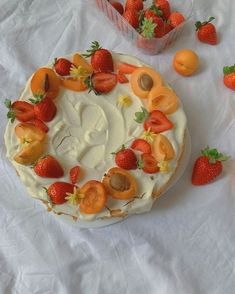 Think Food, I Love Food, Good Food, Yummy Food, Pretty Birthday Cakes, Pretty Cakes, Bolo Cake, Cute Desserts, Just Cakes