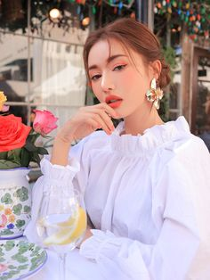 All about Korean Beauty Skincare and Makeup Products - Cosmetic Love Lip Sence Colors, Lipsence Lip Colors, Lip Gloss Colors, Long Hair Tips, Glossy Hair, Lip Palette, How To Pose, Smooth Hair, Natural Curls