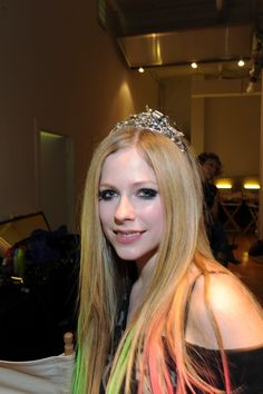 @GLAMOUR South Africa We can't wait to see pop-rock princess Avril Lavigne's wedding dress! Do you think she rocks a tiara?