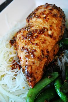 Sauce For Chicken, Chicken Recipes, Skinny Recipes, Healthy Recipes, Confort Food, Chow Mein, Jewish Recipes, Yum Yum Chicken, Food Dishes