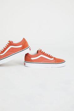 Slide View 4: UA Old Skool Sneaker