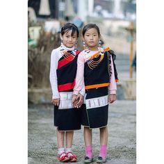 Chakhesang naga girls at the hornbillfestival  photo: @man0u