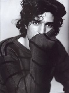 Louis Garrel http://media.photobucket.com/image/louis%20garrel/diogofer2/310320081507502034142499.jpg