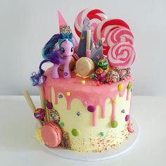 My Little Pony Cake Ideas - Twilight Sparkle Cake (Drip Cake) Twilight Sparkle,. - My Little Pony Cake Ideas - My Little Pony Party, Bolo My Little Pony, Drippy Cakes, Sparkle Cake, Bolo Cake, Cute Cakes, Party Cakes, Cake Designs, Eat Cake