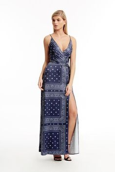 32b7b05bda8 Printed maxi dress with a v-neckline. Main - Poly Lining - Poly XS bust 84