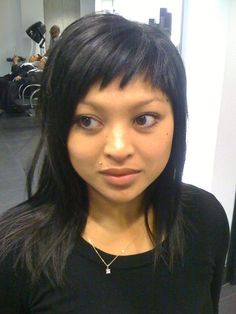 Interesting slant on bangs. I used to have these and I miss them!!!!