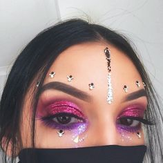 "4,520 Likes, 62 Comments - ROWI SINGH (@rowisingh) on Instagram: ""Glitter cut crease situation ✨ ---- BROWS #anastasiabrows @anastasiabeverlyhills dipbrow in dark…"""