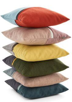 Duurzaam en uniekDit kussen staat symbool voor het feit dat wij elke dag met passie werken aan ons duurzame en unieke merk. Draped Fabric, Home Textile, Interior And Exterior, Throw Pillows, Home Decor, Style, Accessories, Cushion, Swag