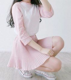 Korean Fashion Trends you can Steal – Designer Fashion Tips Fashion 90s, Pastel Fashion, Kawaii Fashion, Cute Fashion, Trendy Fashion, Girl Fashion, Fashion Outfits, Cute Korean Fashion, Fashion Ideas