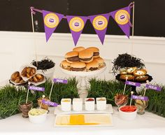Party Food Ideas For Adults Buffet Families Super Bowl Ideas, - Super Bowl İdeas Fall Party Themes, Ideas Party, Party Fun, Party Food Buffet, Slider Bar, Graduation Food, Game Day Food, Kids Nutrition, Appetizers For Party