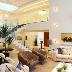 Casa Montada! Moderna, Branca e Clean!!